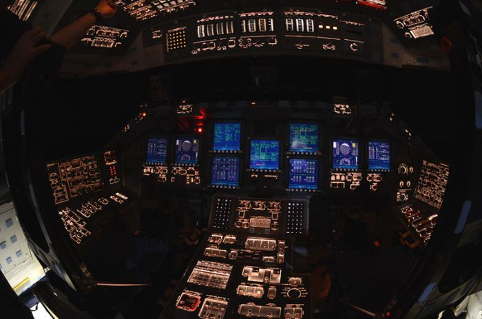 Inside Shuttle Atlantis (12 pics)