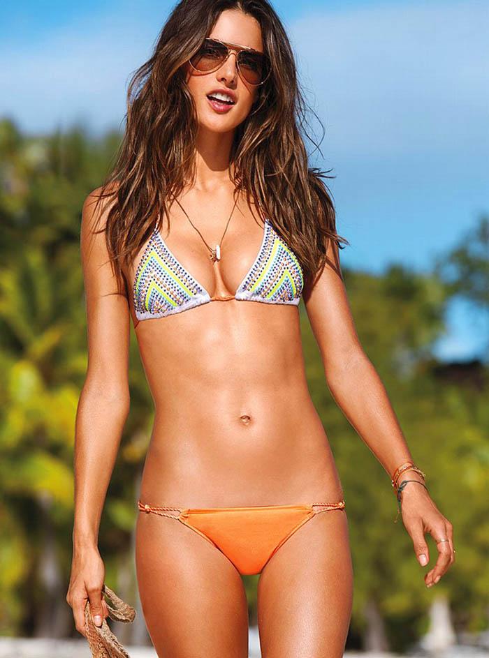 Alessandra Ambrosio in Bikini (19 pics)