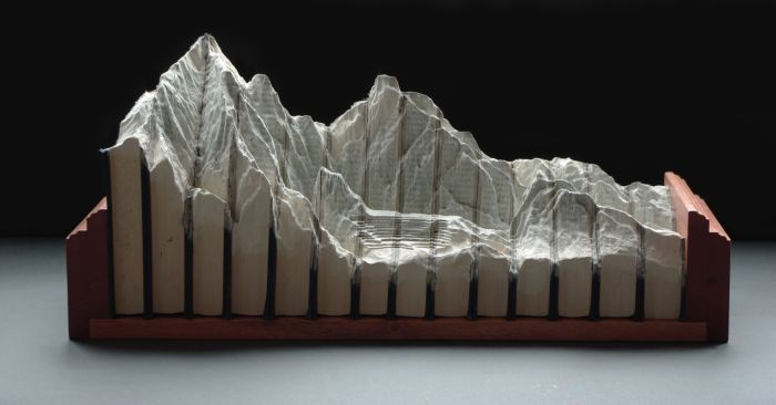 Beautiful Book Carving Art (18 pics)