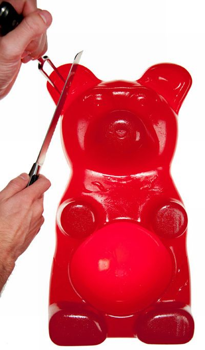 Giant Gummy Bear (7 pics)