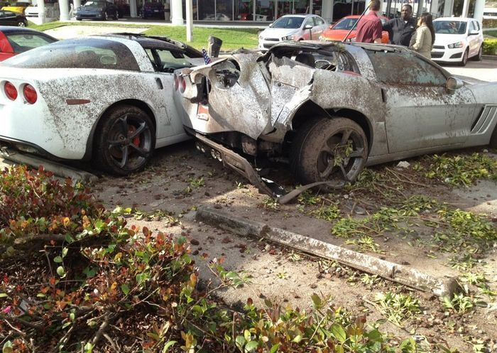 Crashed Chevrolet Corvettes (6 pics)