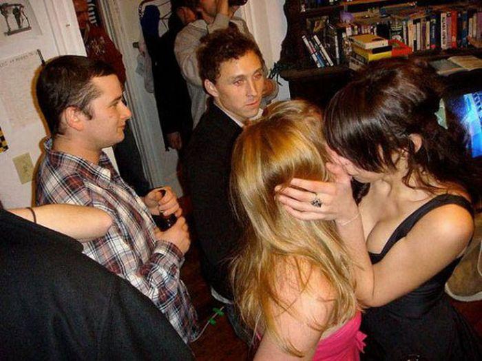 Drunken Girls On New Year's Eve (21 pics)
