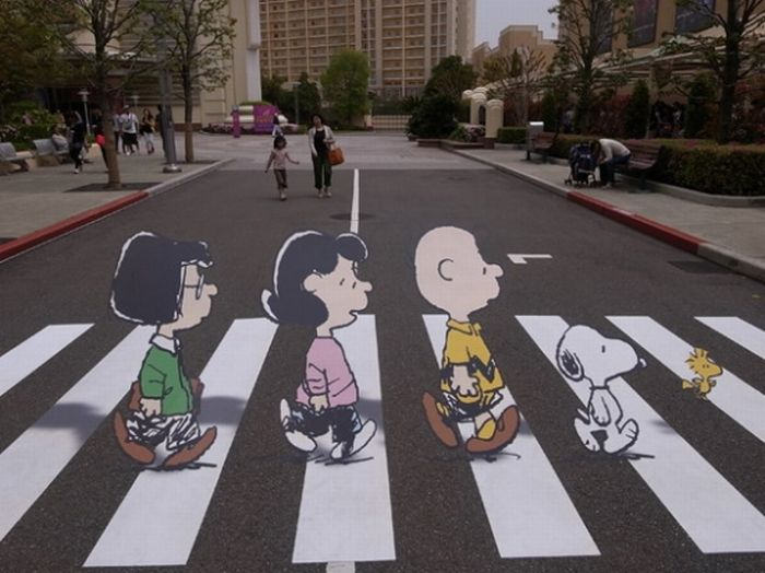 Peanuts do Abbey Road (2 pics)