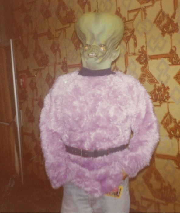 Photos From A 1980's Sci Fi Convention (36 pics)