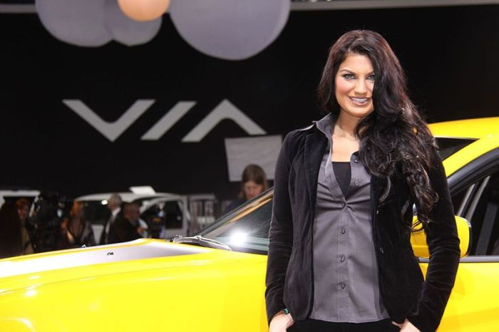 Girls of 2012 Detroit Auto Show (54 pics)