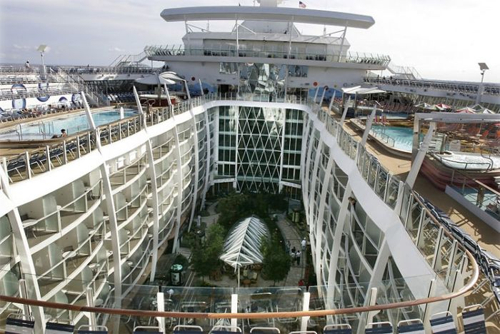 Allure of the Seas, World's Largest Cruise Ship (14 pics)