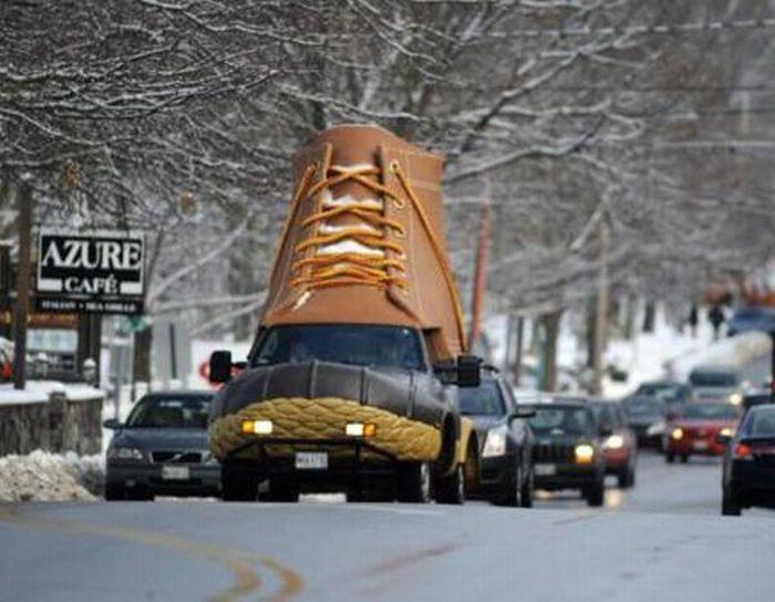 L.L. Bean Bootmobile (5 pics)