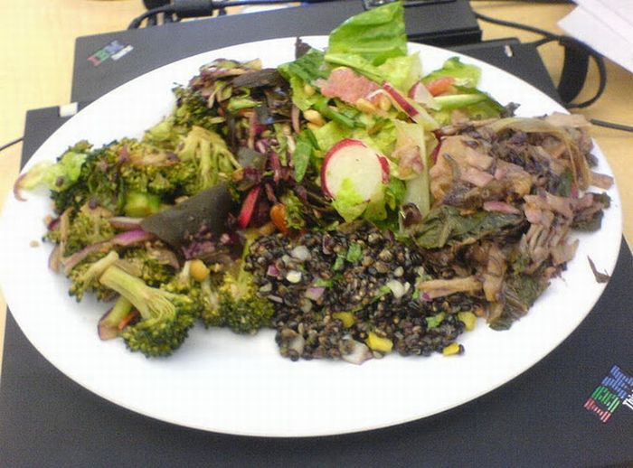 Food at the Google Cafeteria (69 pics)