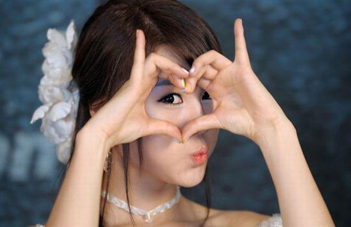 How Asians Pose 96 Pics-5749