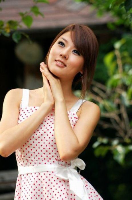How Asians Pose 96 Pics-1090