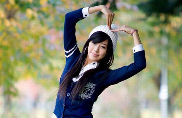 How Asians Pose 96 Pics-4521