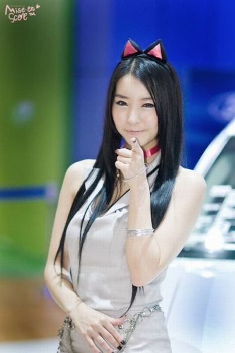 How Asians Pose 96 Pics-7590