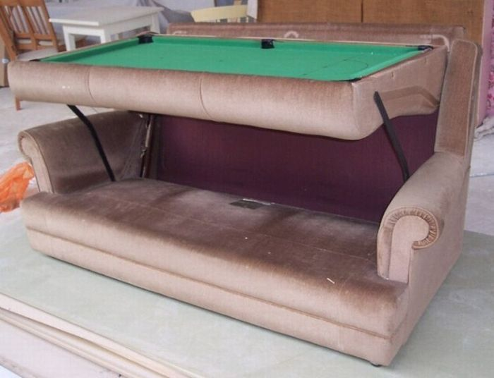 Old Couch with a Snooker Table Hidden Inside (8 pics)