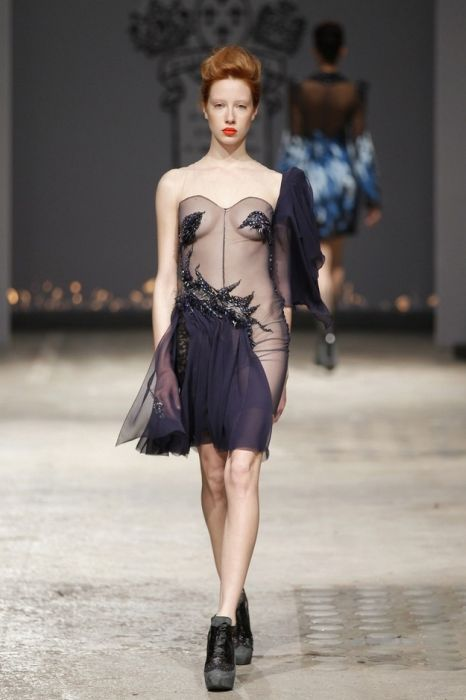 Outfits From Paris Fashion Week (50 pics)