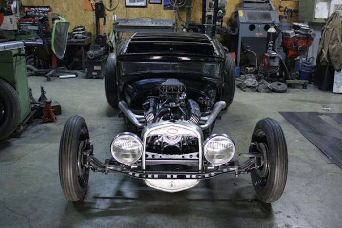 Building a Unique Car (46 pics)