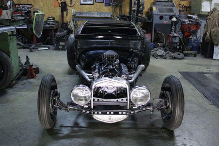 Building a Unique Car (46 pics)