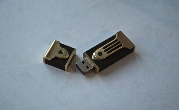 DIY Wooden USB Stick (21 pics)