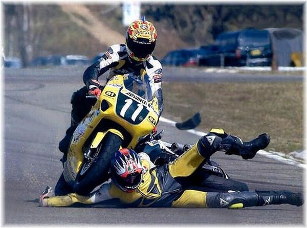 Sport Wrecks and Collisions (28 pics)