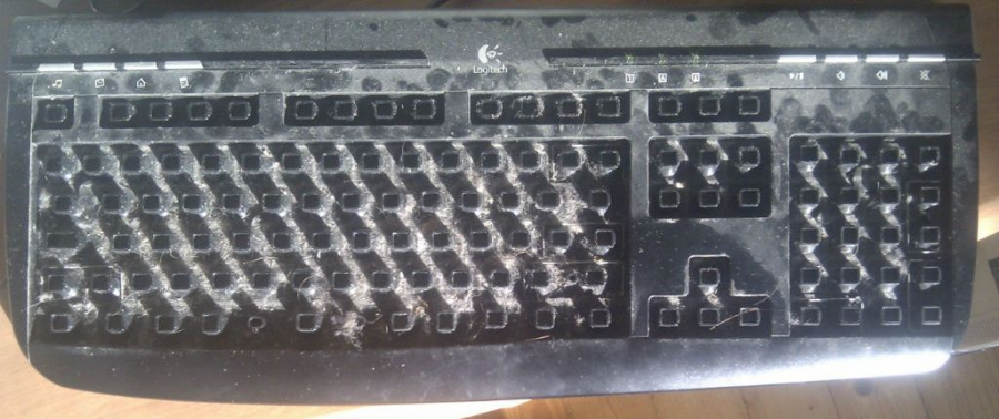 How to Clean Your Keyboard (7 pics)