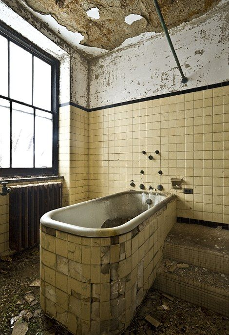 Abandoned Leper Colony in NYC (23 pics)