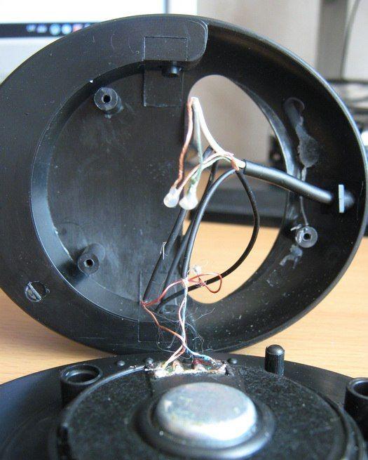 Довольно интересный способ, как сделать беспроводные наушники из старого плеера своими руками.