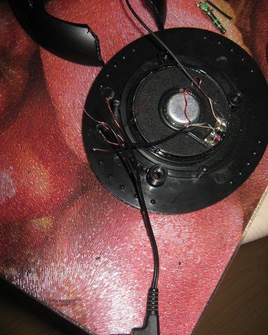 DIY Wireless Headphones with Built-In Player (14 pics)