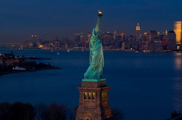 New York City At Night (55 pics)
