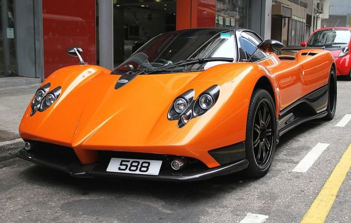 Pagani Zonda F Wrecked in Hong Kong (10 pics)