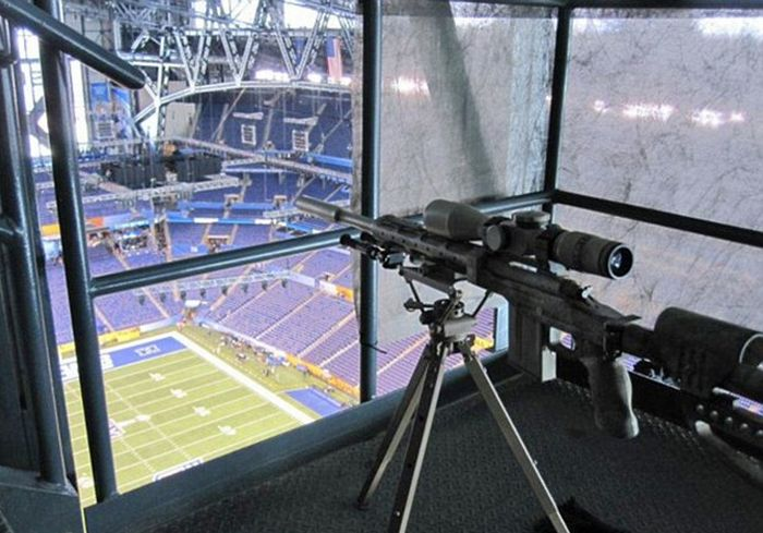 Sniper's Nest at Super Bowl (5 pics)