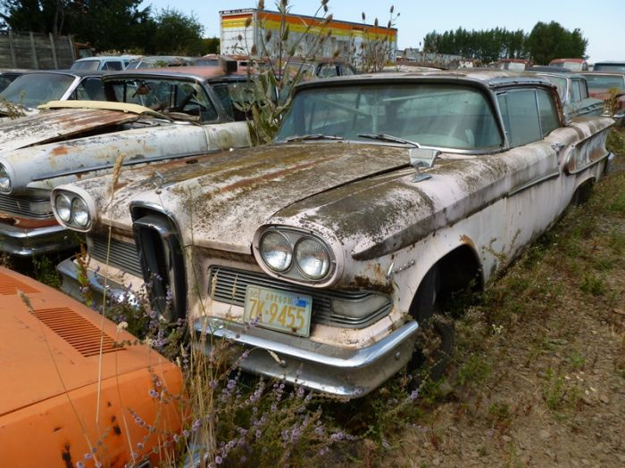 Car Cemetery in Oregon (99 pics)