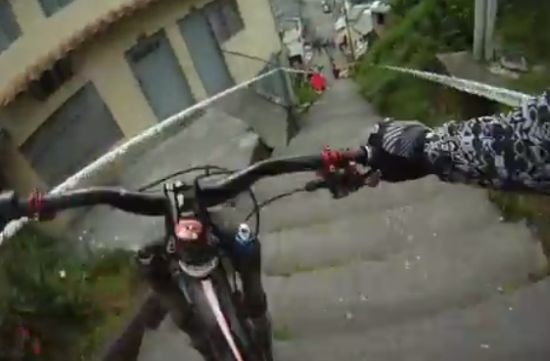 Frightening Street Downhill Bike Race