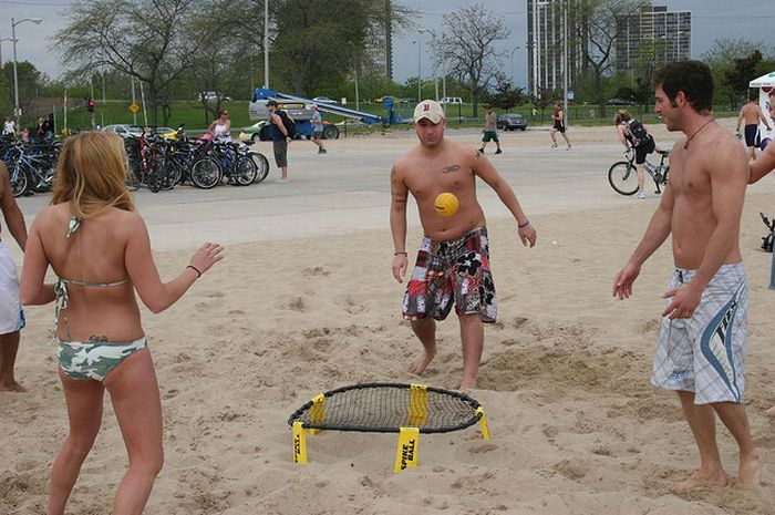 Spikeball - Aweome New Game (19 pics)