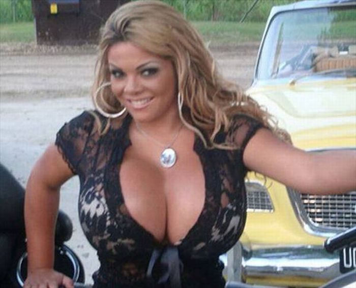 Sheyla Hershey's Giant Boobs Saved Her Life (12 pics)