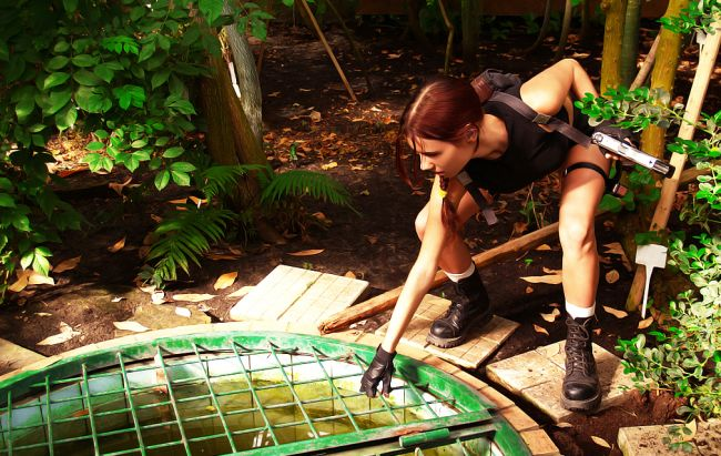 Lara Croft Tomb Raider Cosplay (30 pics)