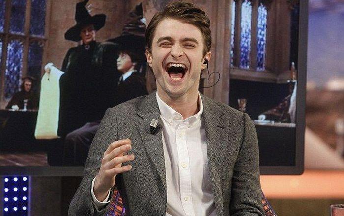 Daniel Radcliffe Has a Magical Tongue (4 pics)