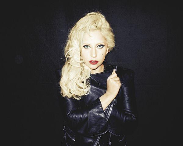 Lady Gaga Twitpics (20 pics)