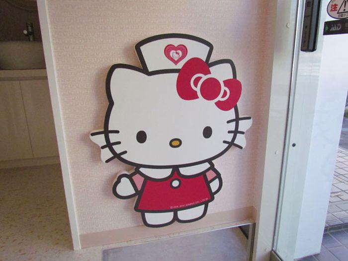 Hello Kitty Dental Clinic in Tokyo (8 pics)