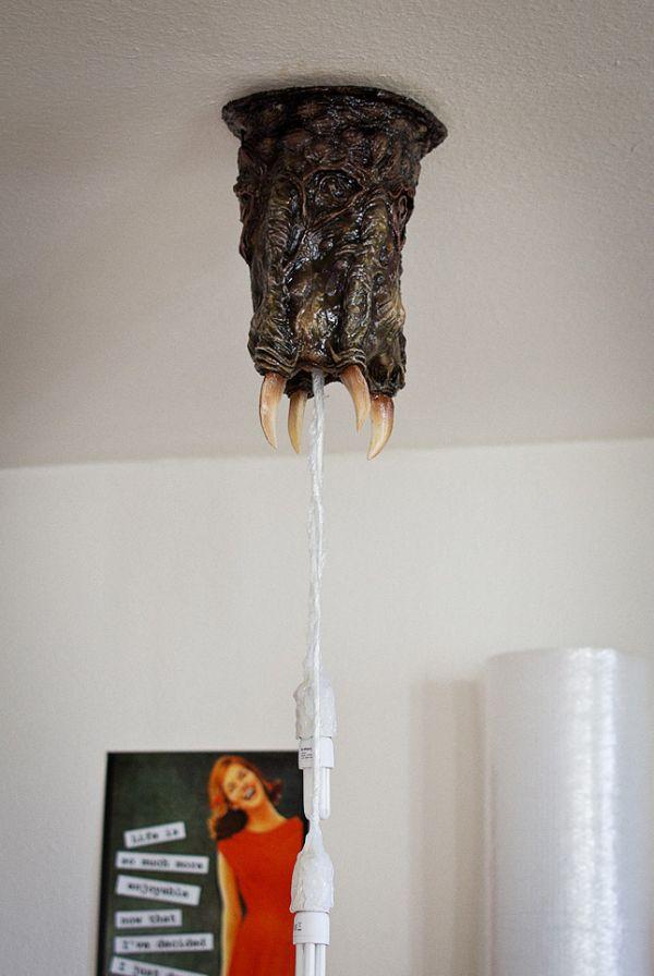 Half-Life Barnacle Ceiling Lamp (7 pics)