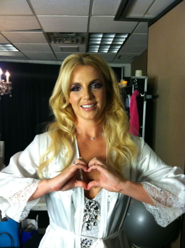Britney Spears Twitpics (26 pics)