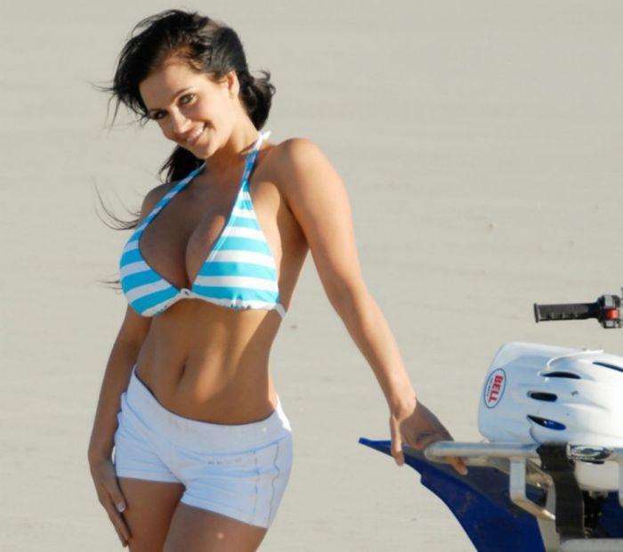 Denise Milani on 4-Wheel (16 pics)