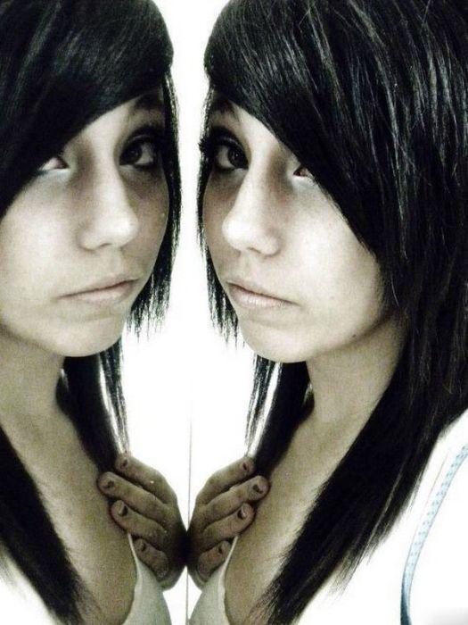Emo Girls (48 pics)