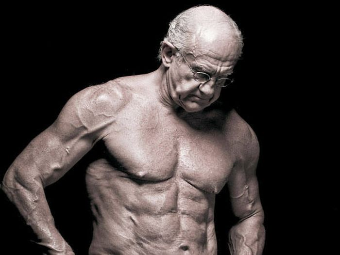 Unbelievable. This Man is 72 Years Old (7 pics)