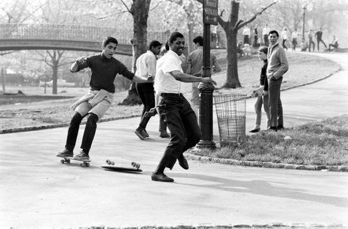 Skateboarding in New York in 1960 (33 pics)