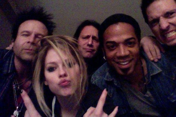 Avril Lavigne Twitpics (30 pics)