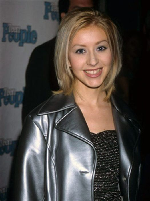 Christina Aguilera Aging Timeline (16 pics)