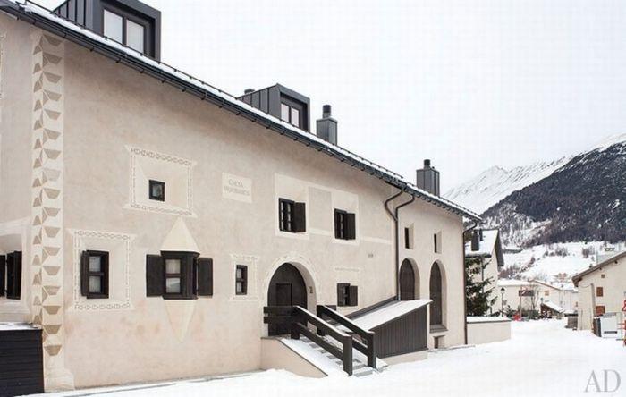 Giorgio Armani's House (13 pics)