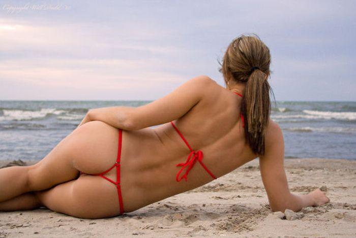 Bikini Girls at Daytona 500 (97 pics)