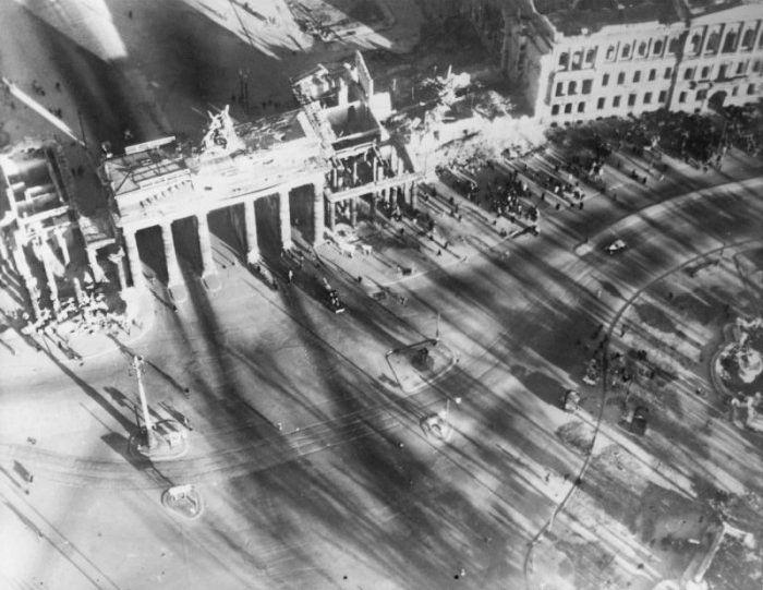 Berlin After WW2 (20 pics)