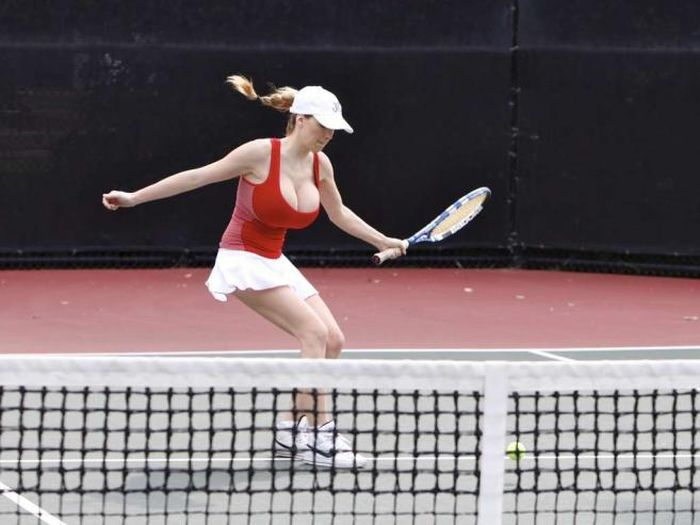 Jordan Carver Playing Tennis (15 pics)