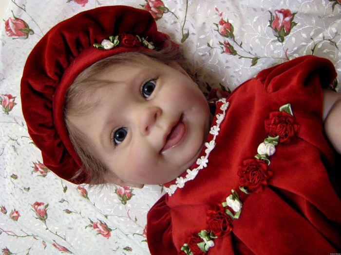 Incredibly Realistic Reborn Baby Dolls (21 pics)